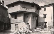 U Bakru postoji Turska kuća i nekoliko legendi vezanih uz njen nastanak