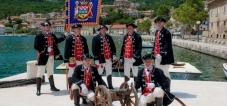 The Town's Guard Bakar
